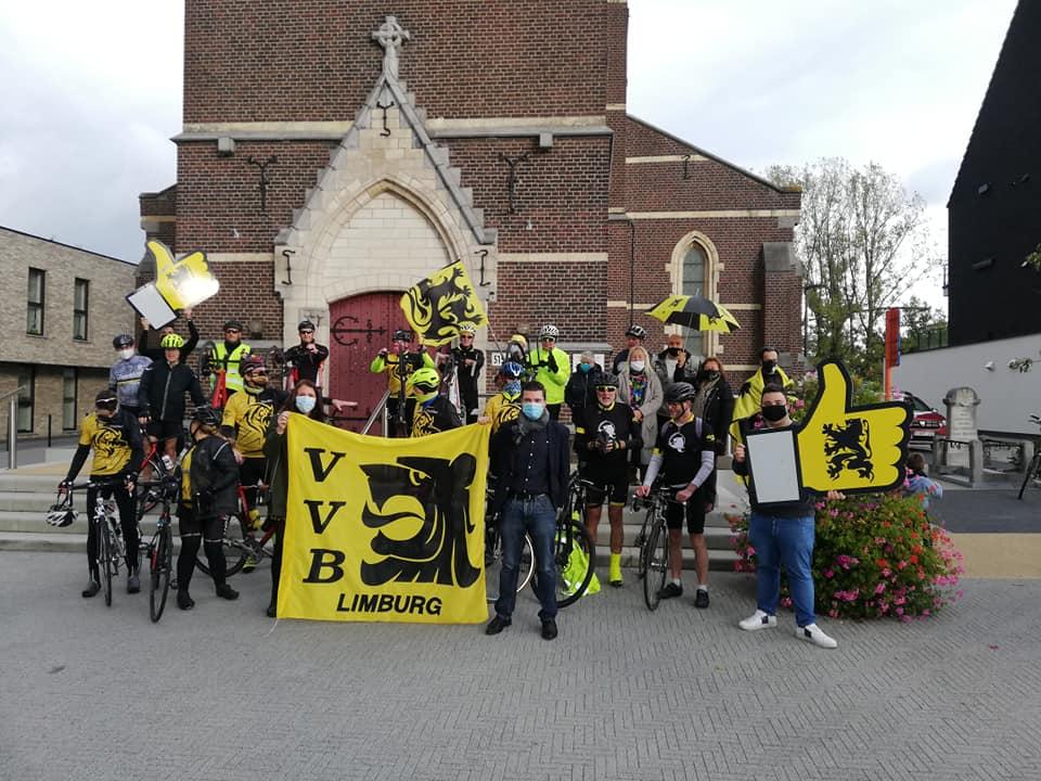 Vlaamse Volksbeweging voert actie van De Panne naar Opgrimbie